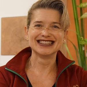 Frau Annette Dutsch